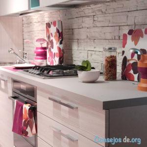 Cocina remodelada con estilo moderno
